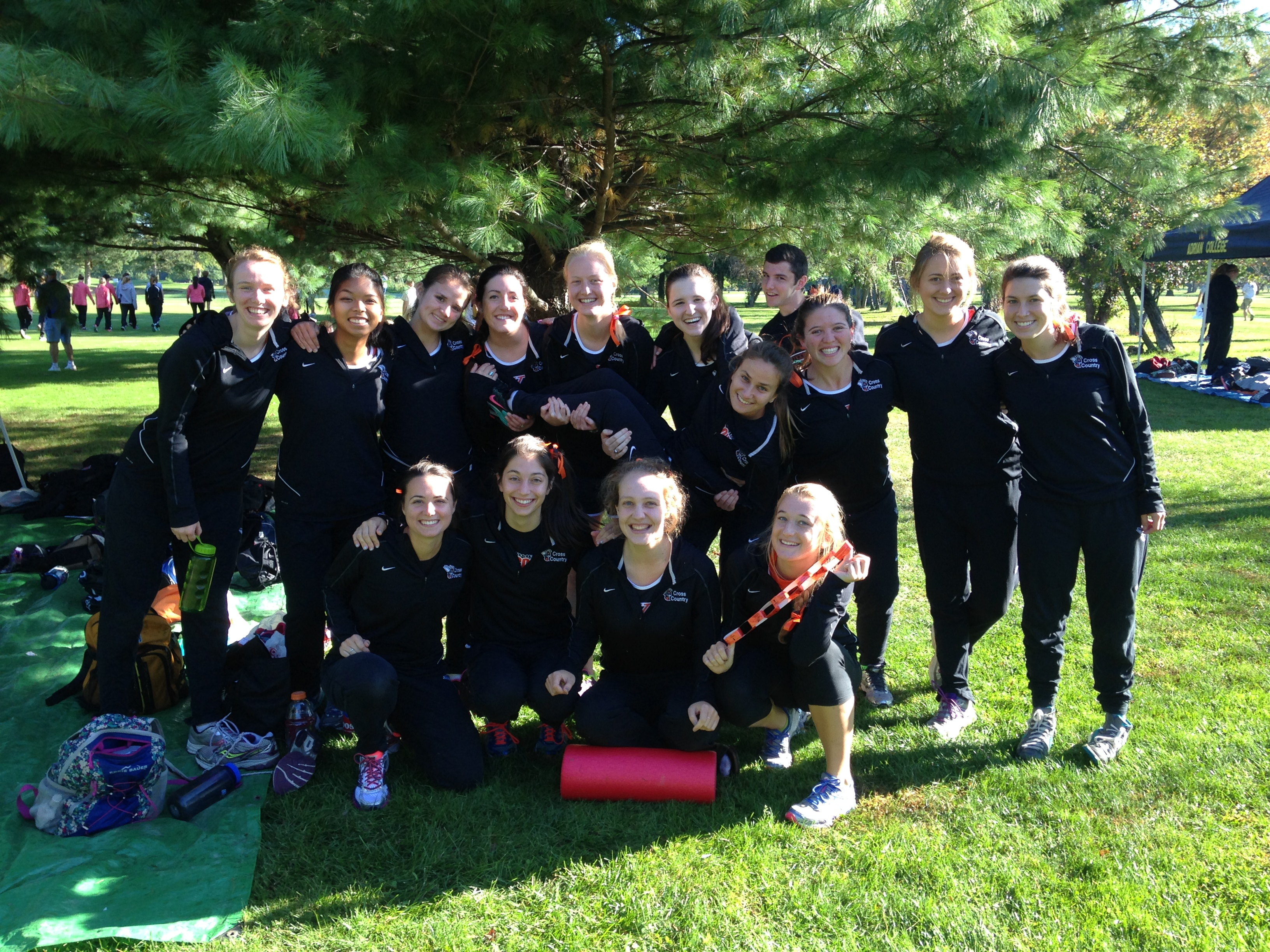 2014 women's cross country team at Kalamazoo College