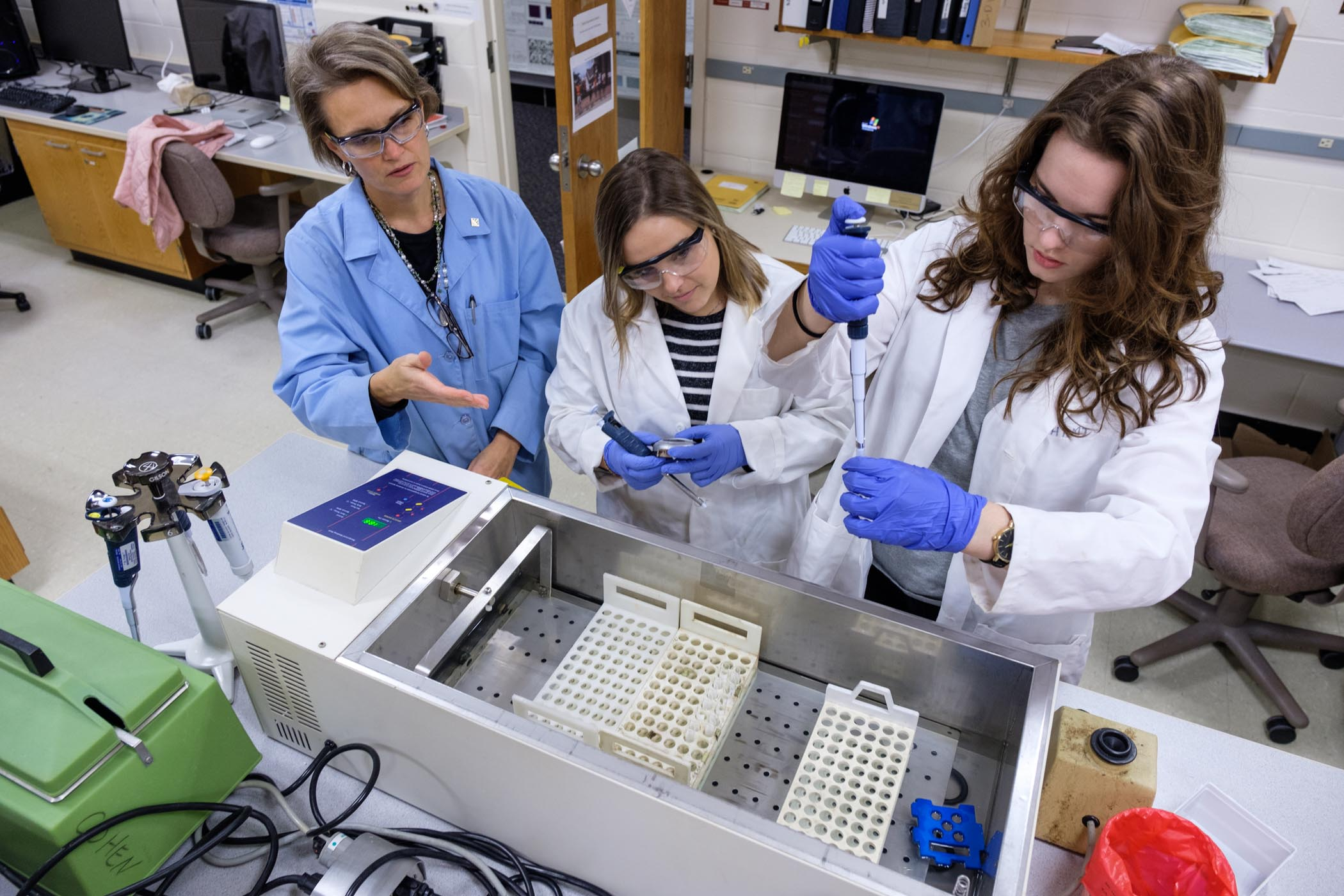 Conference, Faculty Catalyze Chemistry Students