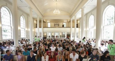 Convocation crowd gathers at Stetson Chapel