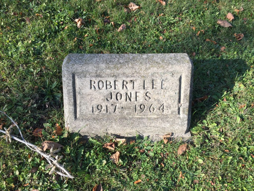 "Gravestone reading ""Robert Lee Jones, 1917-1964"""