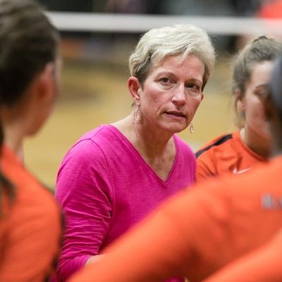 Volleyball Coach Jeanne Hess Retiring