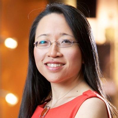 YouTube Math Pioneer Eugenia Cheng_showcase